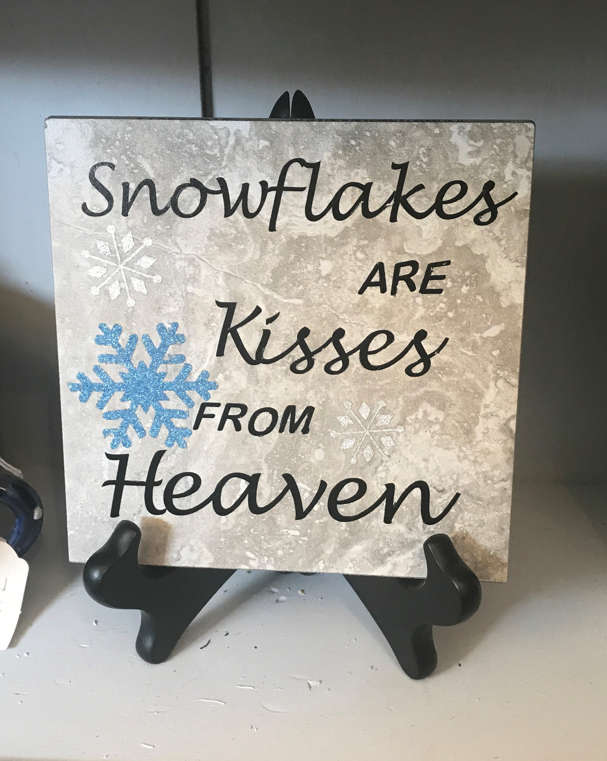 5 1/2 Snowflake kisses
